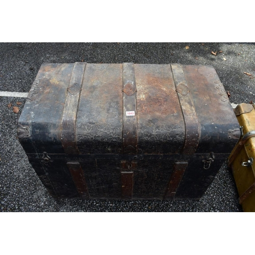 1043 - A Victorian metal and wood bound travelling trunk with fitted interior, 81.5cm wide. <strong>This lo...