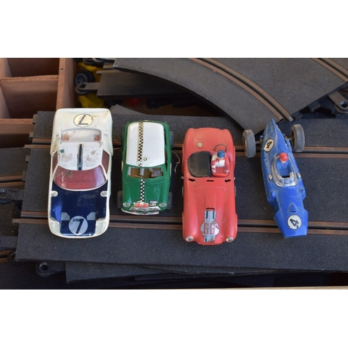 1105 - A quantity of old Scalextric.<strong>This lot can only be collected on Saturday 5th September ...