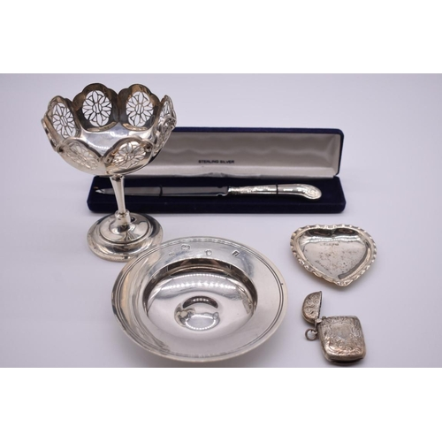 120 - <strong>A small collection of silver,</strong> to include: an Edwardian pierced sweetmeat dish, by <...