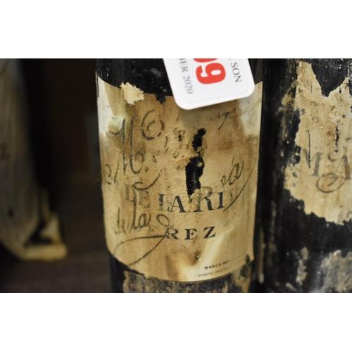 509 - <strong>Three half-bottles of sherry,</strong> Antonio de la Riva (1940s bottling). (3)...
