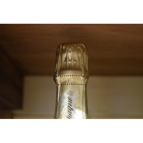 516 - <strong>A 75cl bottle of Lenoble Grand Cru Blanc de Blancs Champagne, 1988. </strong>(1)...