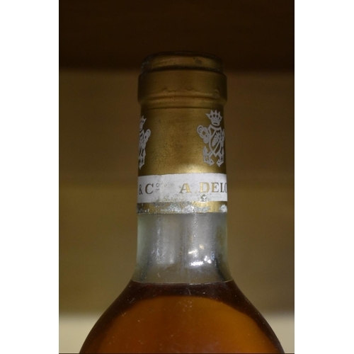 521 - <strong>A 75cl bottle of Chateau Suau, 1975, </strong>2nd Barsac. (1)...