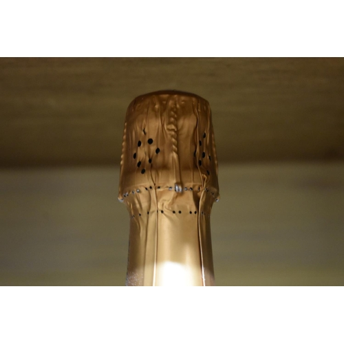 547 - <strong>A 75cl bottle of Lenoble Grand Cru Blanc de Blancs Champagne, 1990,</strong>(1)....