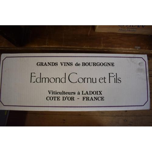 622 - <strong>A case of twelve 75cl bottles of Ladoix Vieille Vigne, 1995,</strong>Edmond Cornu, in oc. (...
