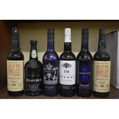 637 - <strong>Eleven various bottles of sherry;</strong> together with a 75cl bottle of Delaforce 'Paramou...