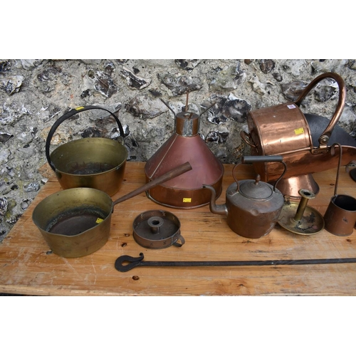 1012 - A quantity of copper and brassware, to include a copper and iron bed warmer.<strong>This lot can on...