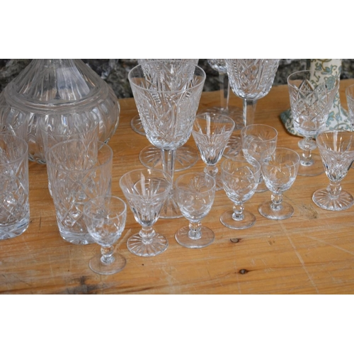 1019 - A quantity of mixed glassware; and a Crown Ducal ware vase. <strong>This lot can only be collected o...