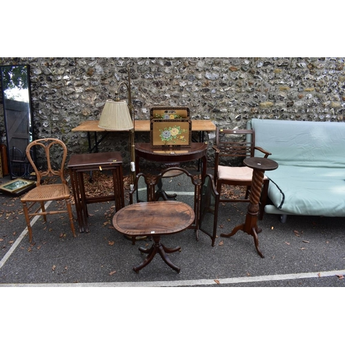 1022 - A sundry lot of furniture, to include a bookcase.<strong>This lot can only be collected on Saturday...