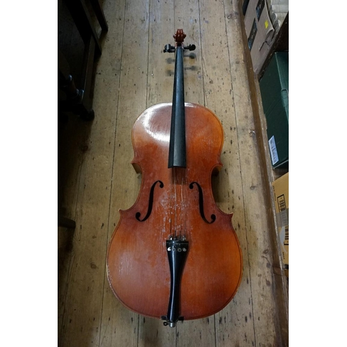 1070A - A cello, with 30in back, in bag.<br /><strong>This lot can only be collected on Saturday 10th Octobe...