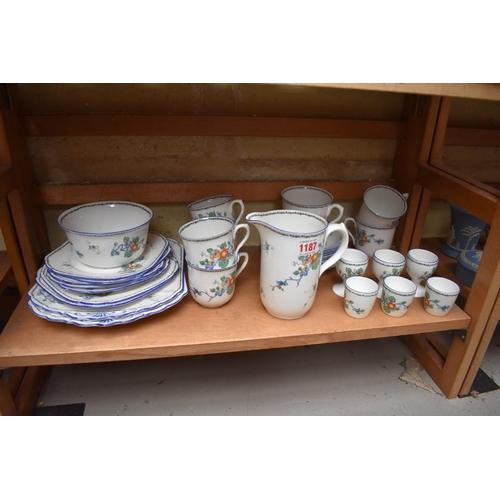 1187 - A Shelley part tea service.