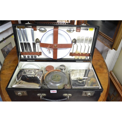 1404 - Automobilia:a vintage 'Coracle' picnic set, 15.5cm wide.