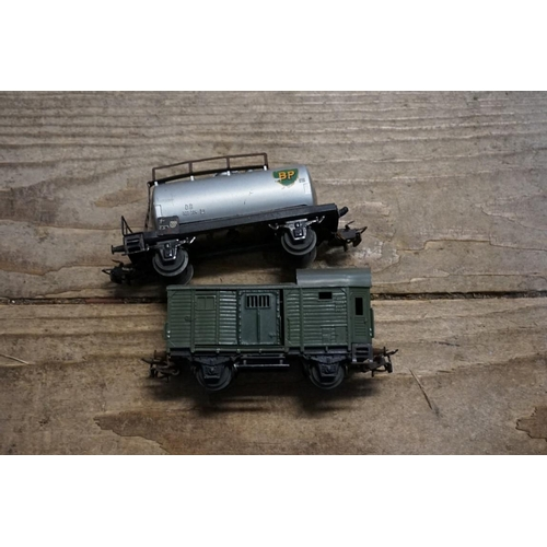 1448 - <strong>A collection of Marklin OO gauge railway items, </strong>most boxed....