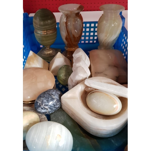 22 - Large quantity of coral and shells, stone marble and onyx items, over 100 pieces in the lot...