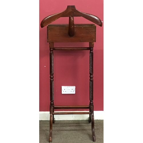 9 - Vintage Men's Valet  Stand Measures 45x105cm...