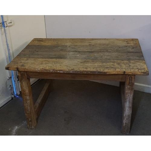 25 - Vintage Rustic Farmhouse Table 81cm x 122xm x 67cm...