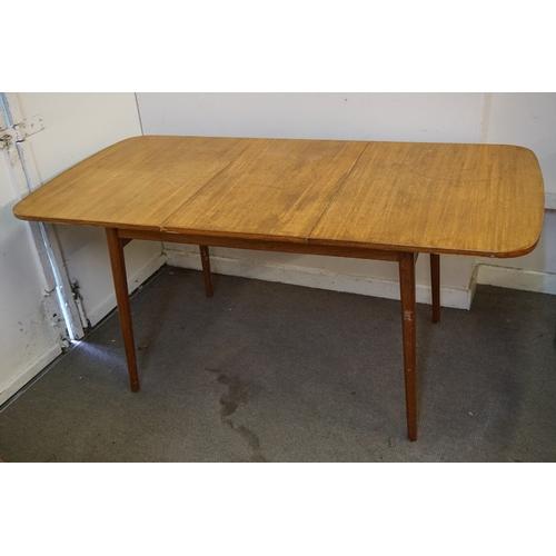 53 - Vintage Table measuring 167cm x 84cm x 75cm...
