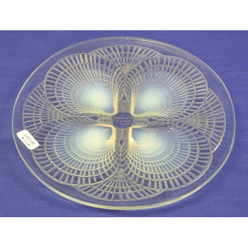 128 - Rene Lalique circular opalescent glass 'Coquilles' plate decorated with a shells motif, 26.5 cm diam...