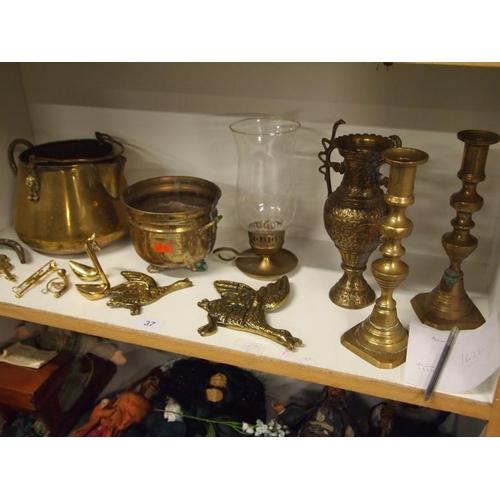 37 - Various brassware...