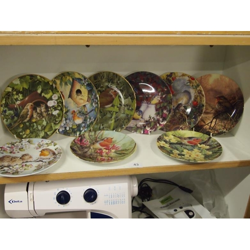 43 - A collection of collectible Robin plates...