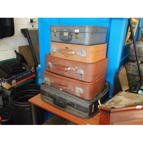 26 - Collection of five vintage suitcases...