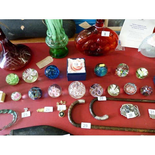 18 - Large selection of beautiful glass paperweights...