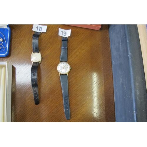 19 - Tissot Swiss Seastar Automatic-needs minor repair to strap...