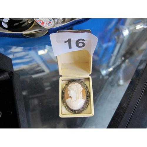 16 - Cameo brooch...
