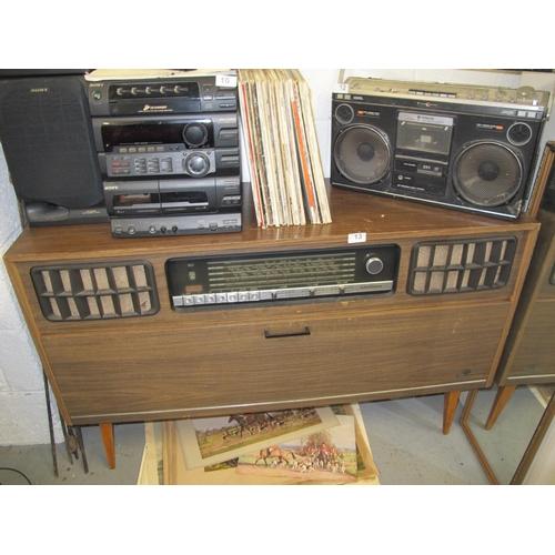 13 - Grundig radiogram...