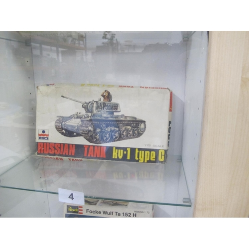 4 - ESCI Russian tank kv-1 type C 1/72 model complete in box...