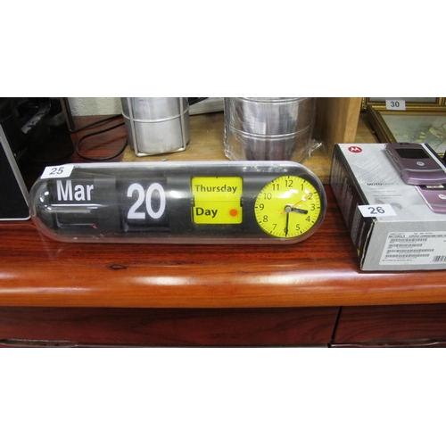 25 - Retro analogue clock with flip day/date...