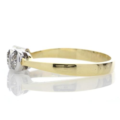 30 - Valued by AGI œ2,220.00 - 18ct Three Stone Claw Set Diamond Ring H SI 0.75 Carats - 1135009, Colour-...