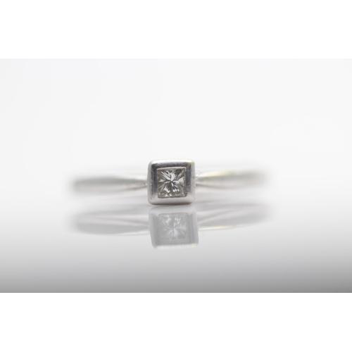 51 - 9CT WHITE GOLD LADIES DIAMOND PRINCESS CUT RING, RING SIZE- L (33)...