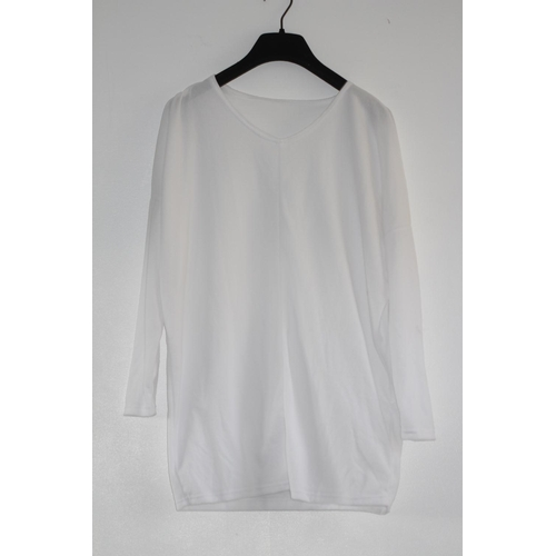 19 - LADIES BRAND NEW, WHITE 3/4 SLEEVED TOP, UK SIZE 12-14, RRP £8...