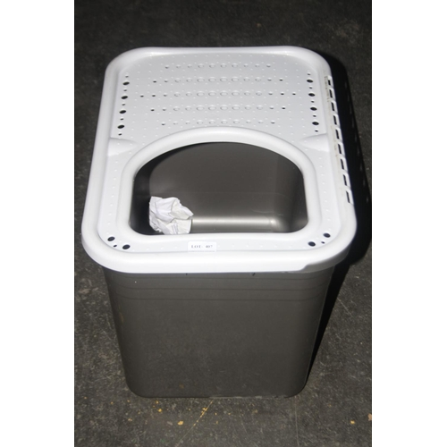407 - GRADE U- UNBOXED PETMATE ECO TOP ENTRY LITTER PAN...