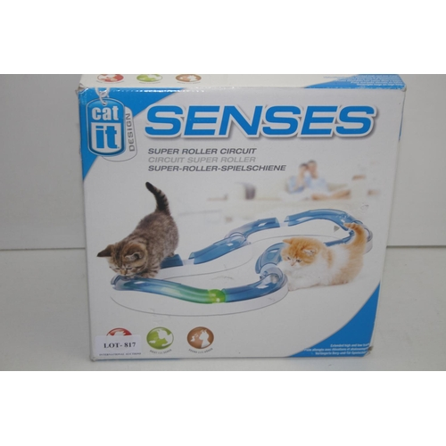 817 - GRADE U- BOXED CAT IT SENSES SUPER ROLLER CIRCUIT...
