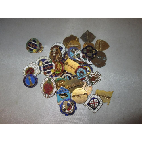 35 - Bag of assorted Bowling Club medals and badges...