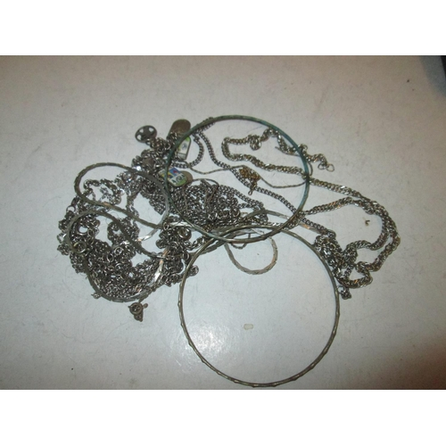 34 - Assorted silver and  lower grade necklaces etc. 46 g...