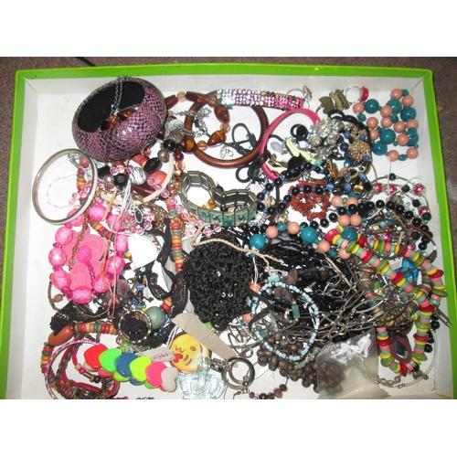 50 - Bag of costume jewellery...