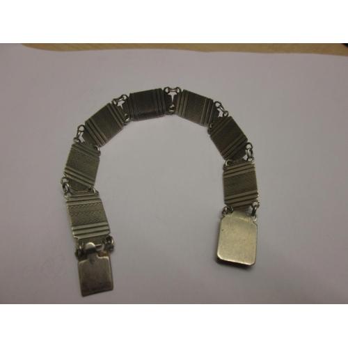 79 - Silver link bracelet...