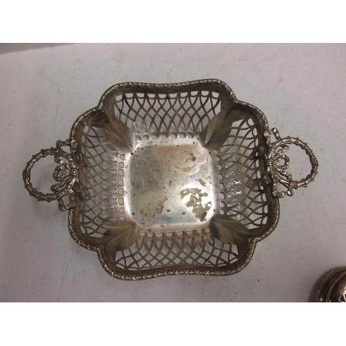 120 - Pierced silver twin handled bonbon dish Birm. 1912 Synyer & Beddoes 89 g...