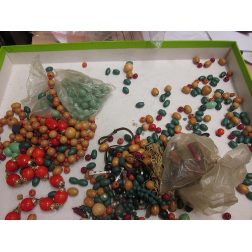 127 - Bag of assorted beads...
