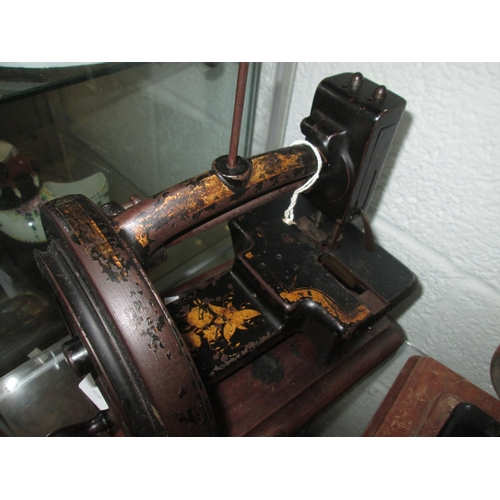 282 - Late 19th / early 20th century sewing machine...