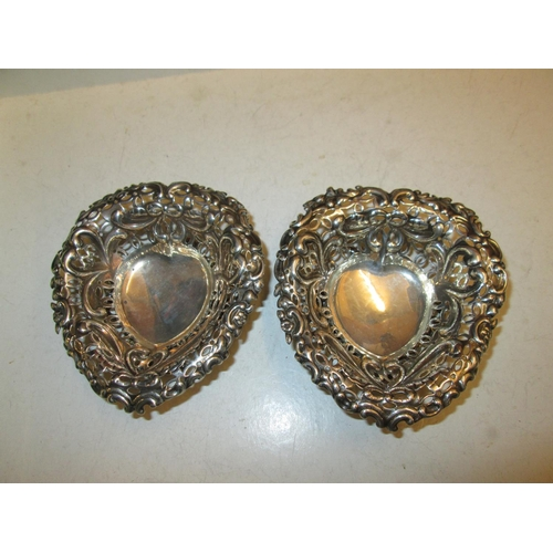 149 - Pair of pierced silver bonbon dishes London 1894  Goldsmith's & Silvers Smith's Co. 180 g...
