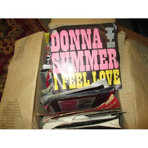606 - Box of vinyl records singles 45 : pop 1960's - 1980's...
