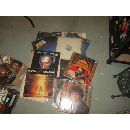 649 - Assorted vinyl record albums : The Doors, Jackson Browne, Bob Dylan and others...