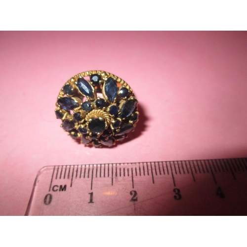 51 - Gilded silver ring set with a cluster of sapphires size O (55)...