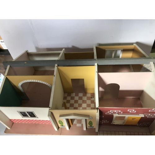 19 - SWEDISH BUNGALOW DOLLS HOUSE, WITH DETACHABLE ROOF AND DIFFERENT FACADES FRONT AND REAR, 24 INCHES I...