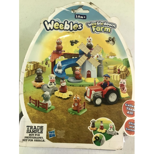 33 - RARE BOXED WEEBLE DOBBIN THE HORSE ON HIS HAY BALE, THIS ONE HAS ON THE BACK, TRADE SAMPLE, NOT FOR ...