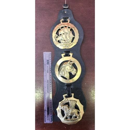 9 - SET OF THREE VERY LARGE VINTAGE HORSE BRASSES EACH MEASURES 5
