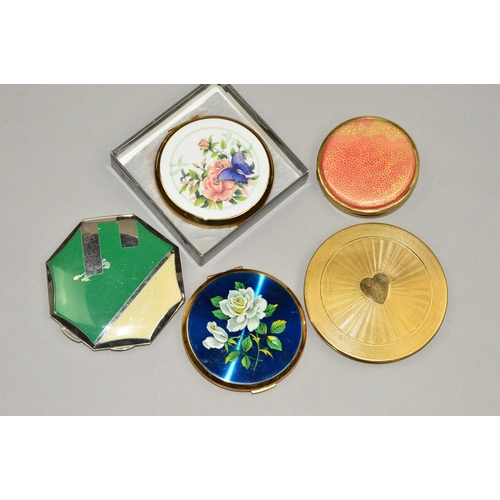 57 - FIVE VINTAGE COMPACTS to include two floral Stratton compacts, one with maker's pouch and box, a Cot...